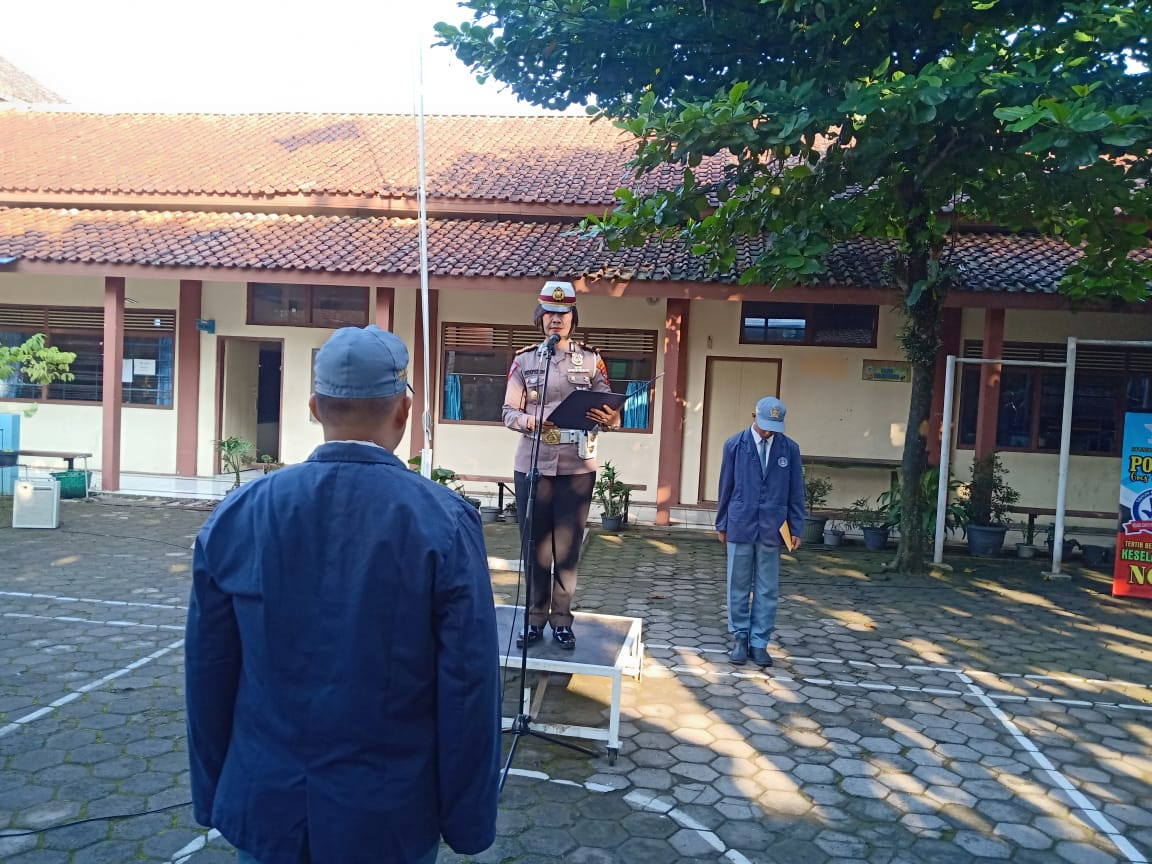 Police Goes To School at SMK Satria